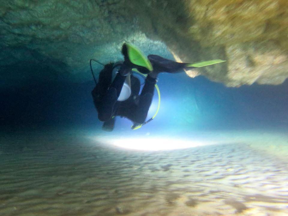 Grotte dei Dois Olhos e Regona