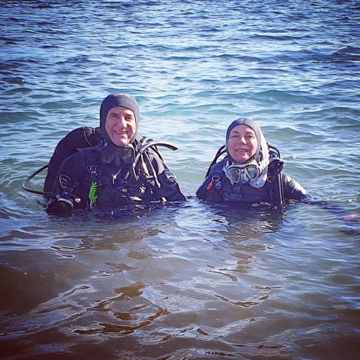 Pronti per un'immersione da riva